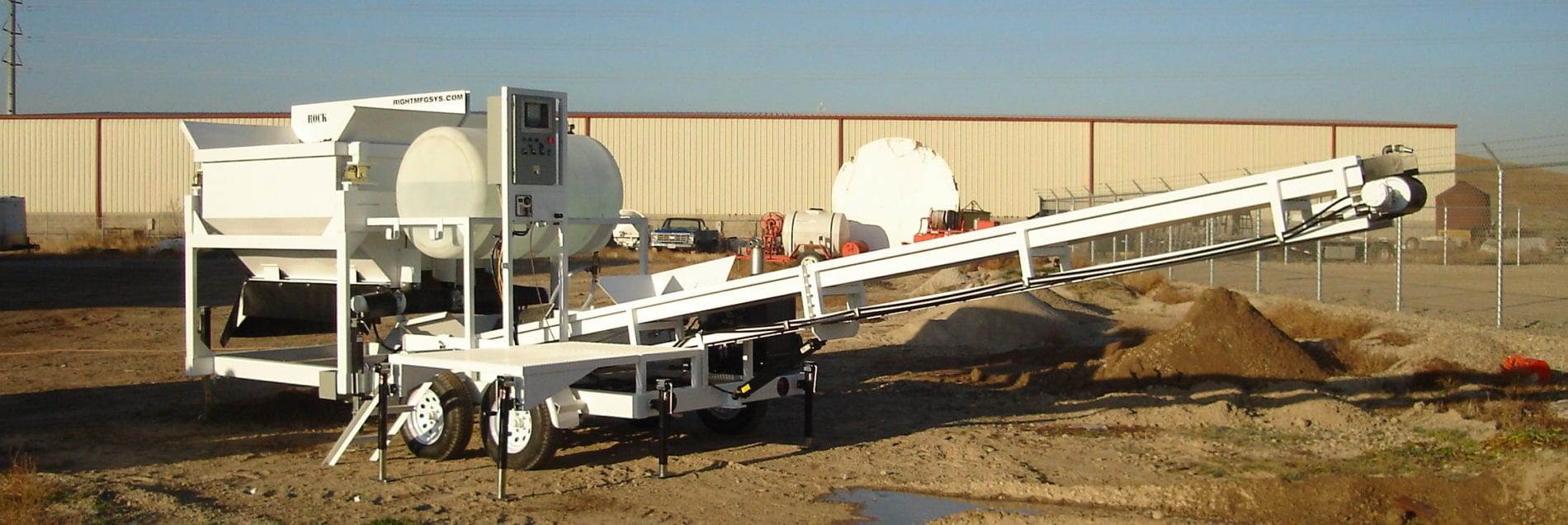 Portable Concrete Batching Plant 2CL-5-2 Extended Conveyor Lowered