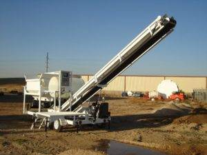 Portable Concrete Batching Plant 12+ Cubic Yards Automated Mix Right 2CL5-2 Extended Conveyor Raised at Right Manufacturing Systems Inc.