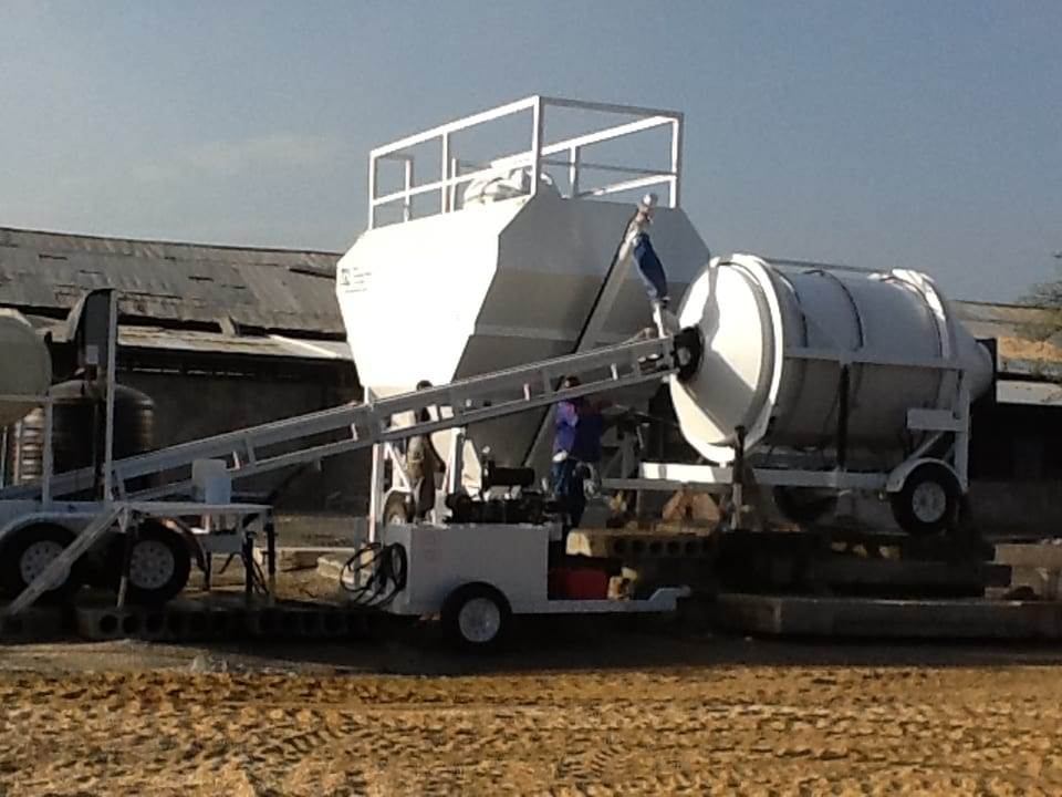Portable Cement Silo 35 Ton Mix Right 7SL-80 Portable Concrete Mixer & Portable Concrete Batching Plant by Right Manufacturing Systems Inc.